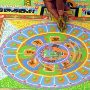 Tibetan Monks Create Sand Mandala Live