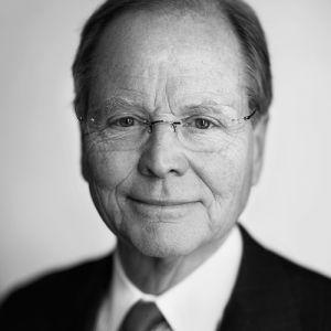 Robert M. Baylis